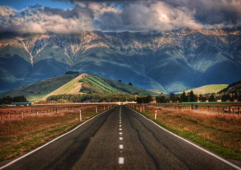 Горы на горизонте