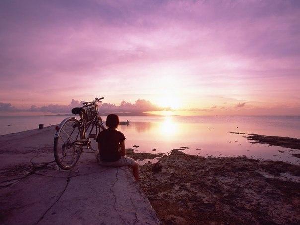 Велосипед на закате солнца