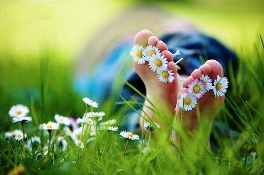 Цветы в пальцах ног