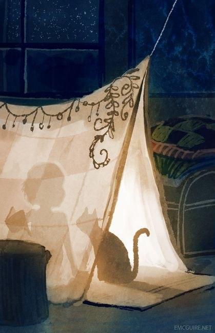 Девочка с кошкой в палатке