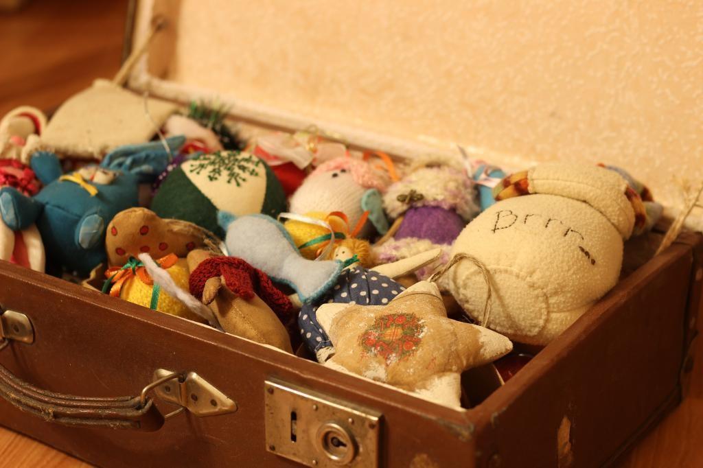 Чемодан с игрушками