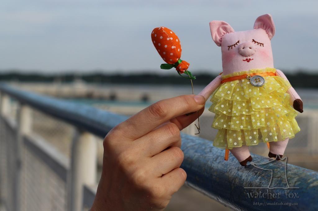 Свинка с шариком