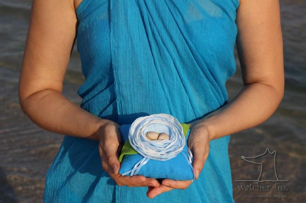 Декоративная подушечка для колец
