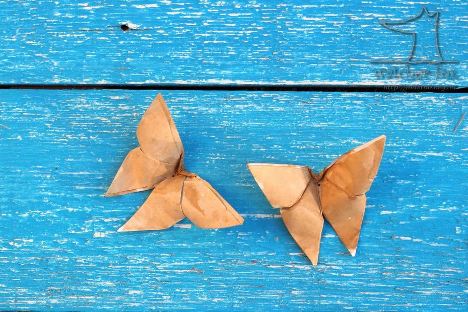 Две бабочки оригами