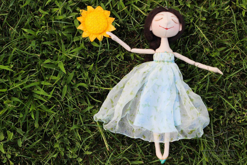 Кукла с солнцем